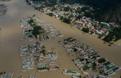 au cachemire indien des villages entiers sont emportes par les eaux