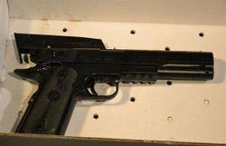 usa un garcon de 12 ans avec un faux pistolet abattu par la police