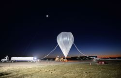 un americain bat le record d 39 altitude en ballon de felix baumgartner
