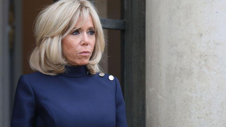 """France: l'Élysée demande de supprimer une chanson où Brigitte Macron est qualifiée de """"cougar"""""""