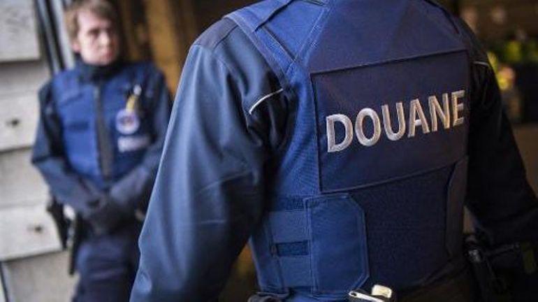 Une femme de 70 ans interpellée avec 160.000 euros à Brussels Airport