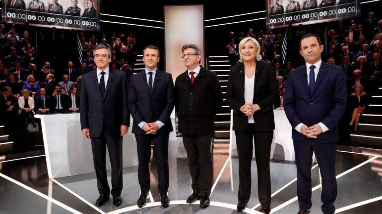 Présidentielle française: un débat calme sur le plateau, agité sur internet (infographies)