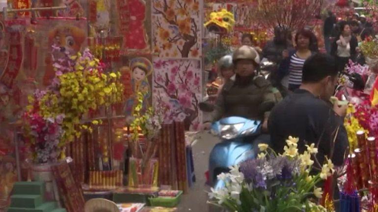Vietnam: la préparation du Nouvel An lunaire dans le vieux quartier de Hanoï