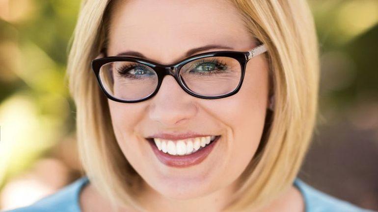 La démocrate Kyrsten Sinema devient la première femme sénatrice dans l'histoire de l'Arizona