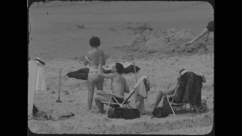 Soleil, cartes routières, photos... les sujets de l'été ont-ils changé? (Archives vidéo)