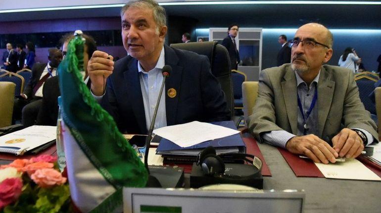 Pétrole: l'Opep et ses partenaires interviendront s'ils le jugent opportun, dit Riyad