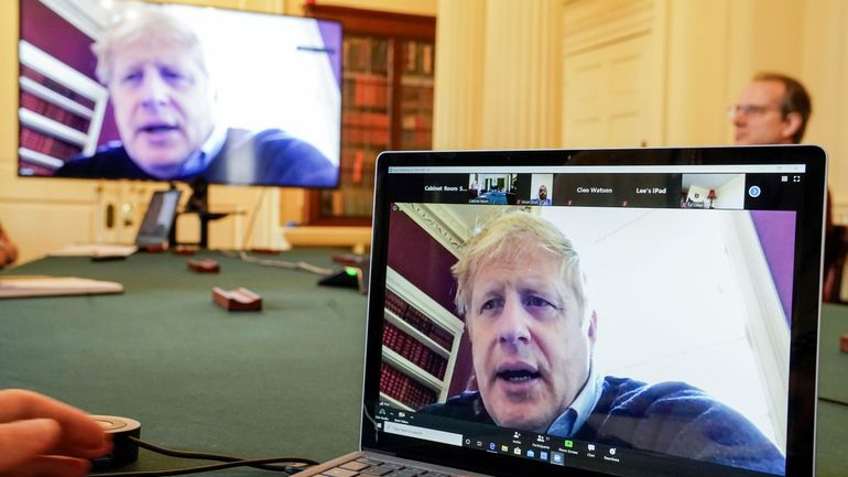 Coronavirus au Royaume-Uni: deuxième journée en soins intensifs pour Boris Johnson