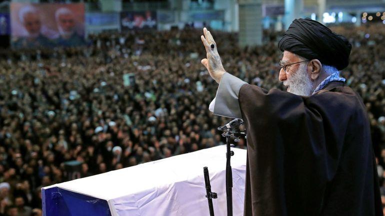 Iran: après 8 ans d'absence de la scène publique, l'ayatollah Ali Khamenei brise le silence