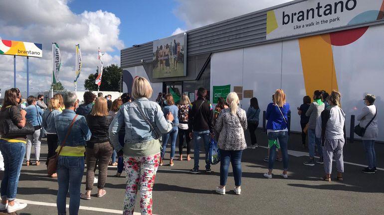 Faillite de Brantano: 100 manifestants devant le magasin de Champion