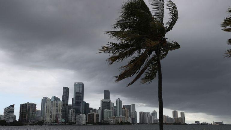 L'ouragan Isaias menace la Floride, un état déjà meurtri par le Covid-19