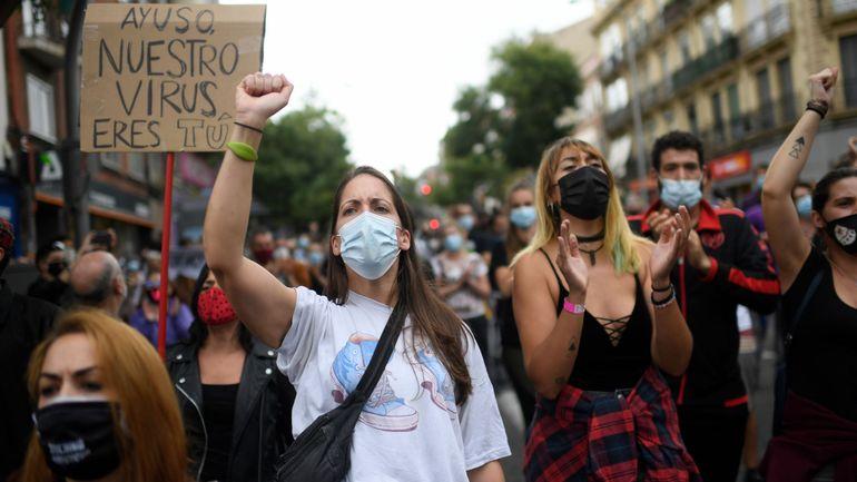Madrid: des milliers de personnes manifestent contre le reconfinement partiel