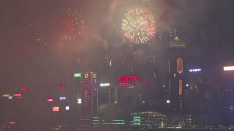 De superbes images du feu d'artifice à Hong-Kong, en l'honneur du cochon