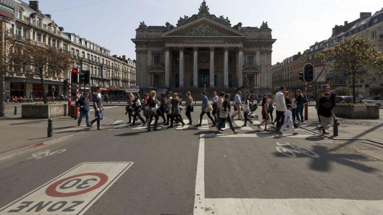 Généraliser la zone 30 à Bruxelles: une des mesures phares de l'accord des négociateurs bruxellois