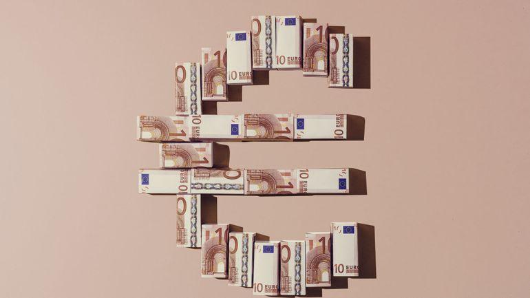 L'euro au plus haut depuis quatre mois face au dollar, avant un sommet européen attendu