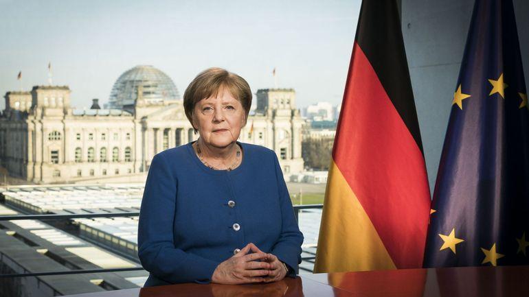 """Angela Merkel: le coronavirus est """"le plus grand défi depuis la Seconde guerre mondiale"""" en Allemagne"""