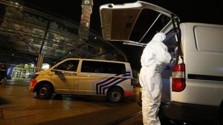 """Incident à la gare de Gand: Jan Jambon tweete """"tout son soutien"""" à la police des chemins de fer"""