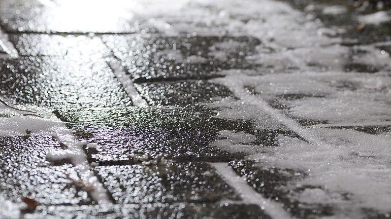 Attention au verglas sur les routes dans tous le pays, jusque dimanche matin