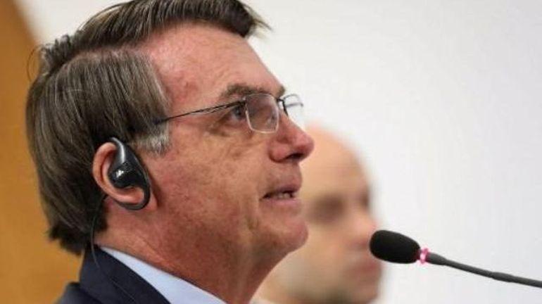 Coronavirus: Twitter supprime deux tweets de Bolsonaro qui remettaient en cause le confinement