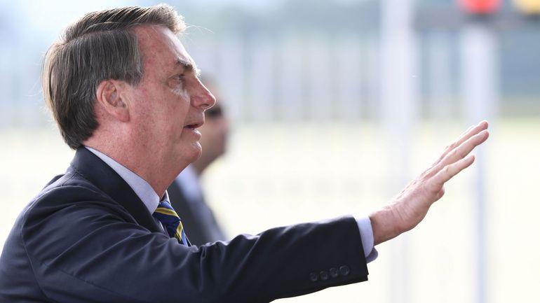 Le président brésilien Jair Bolsonaro annonce qu'il est positif au Covid-19