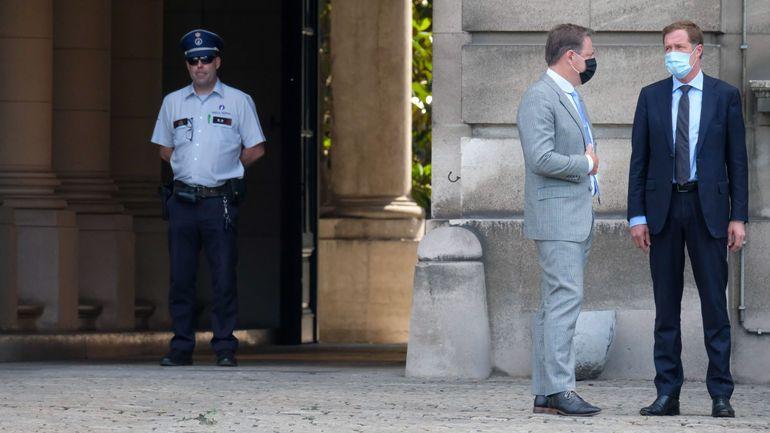 Paul Magnette et Bart De Wever jettent l'éponge après leur rencontre avec les libéraux