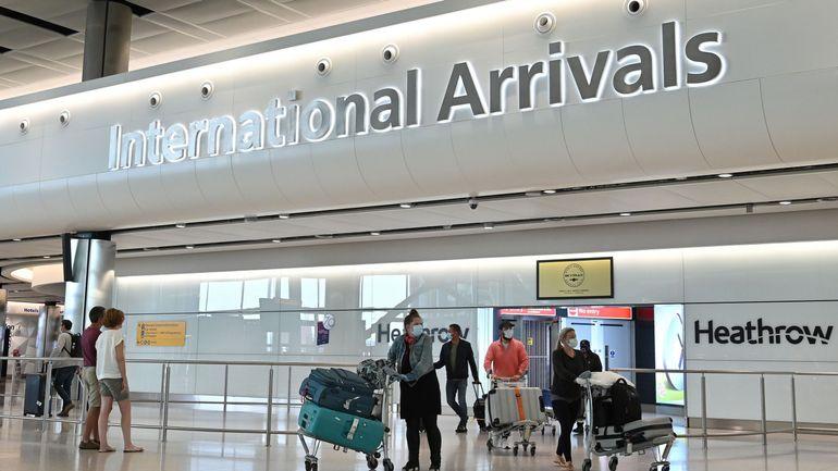 Coronavirus: une quarantaine pour les voyageurs entrant au Royaume-Uni?