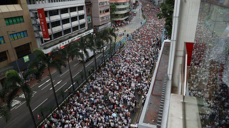 """Hong Kong: la Chine qualifie les primaires organisées par l'opposition de """"grave provocation"""""""