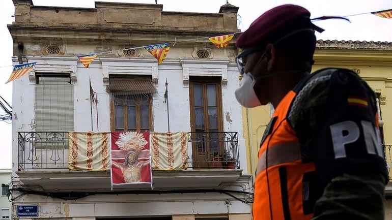 Coronavirus en Espagne: plus de 15.000 décès au total, le nombre par jour amorce un repli