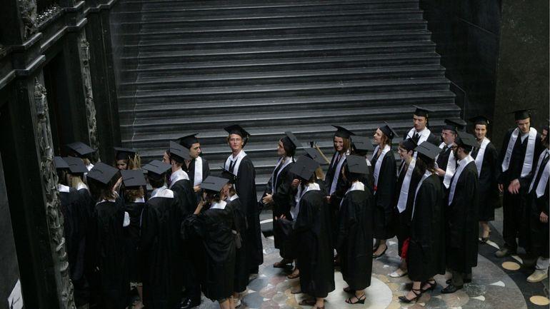 Enquête PISA: les jeunes des pays de l'OCDE sont-ils attirés par des métiers qui vont disparaître?