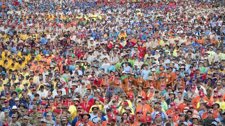 Près de 900 scouts et guides belges se rendent au Jamboree aux USA