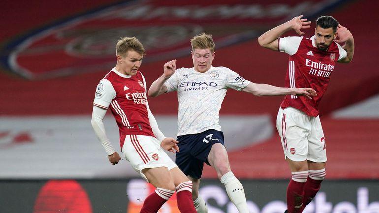 Manchester City, avec Kevin De Bruyne titulaire, poursuit sa série et sa course en tête