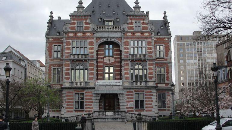 Coronavirus en Belgique : des étudiants de la Haute Ecole Francisco Ferrer dénoncent leurs conditions d'examens