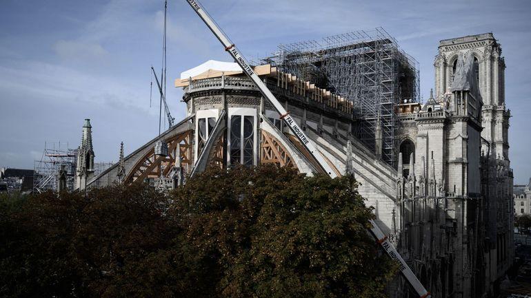 """Incendie à Notre-Dame: Cinq ans, un délai tenable si """"on refait à l'identique"""", dit l'architecte en chef"""