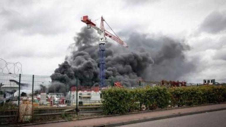 Incendie à Rouen: aucune pollution spécifique détectée en Wallonie, selon le centre régional de crise