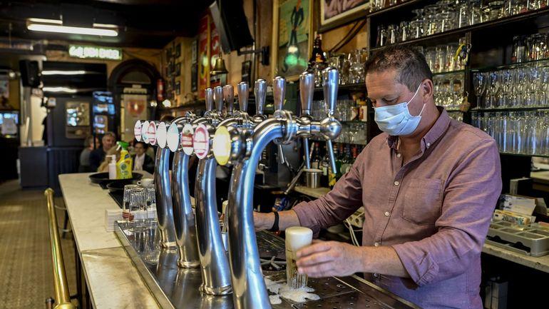 Coronavirus en Belgique: le SNI plaide pour un chômage à mi-temps pour le personnel des secteurs en crise