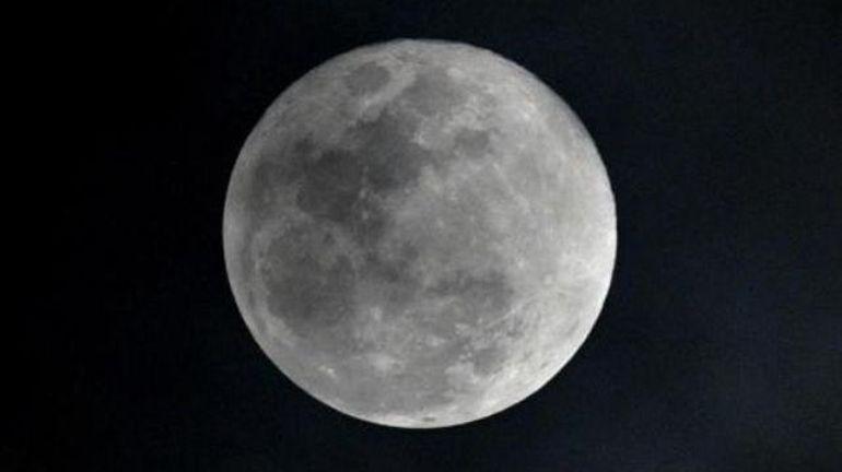 """Des humains sur la Lune dès 2024? la Nasa a besoin """"20 à 30 milliards de dollars"""" de plus"""