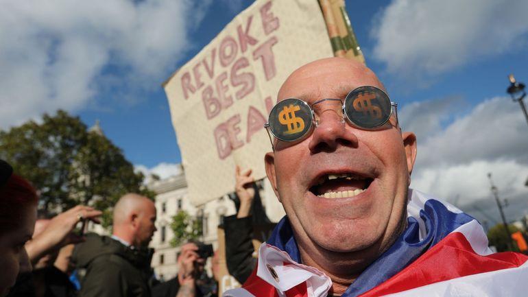 Londres: des dizaines de milliers de manifestants demandent un second référendum sur le Brexit