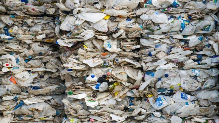 La Malaisie renvoie 150 conteneurs de déchets vers plusieurs pays