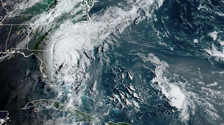 Après avoir épargné la Floride, la tempête Isaias se dirige vers les Caroline
