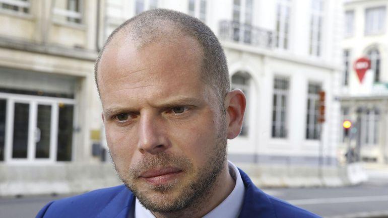 Theo Francken compte porter plainte pour la photo de lui en uniforme nazi