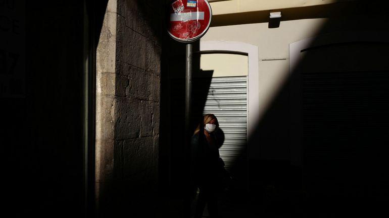 Coronavirus en France: pas de quarantaine pour les personnes en provenance de l'UE ou du Royaume-Uni