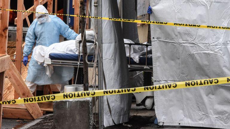 Coronavirus aux États-Unis: le bilan franchit la barre des 10.000 morts, le confinement prolongé à New-York