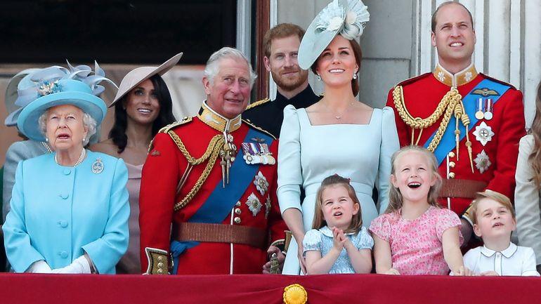 """Prise de recul de Harry et Meghan par rapport à la famille royale: """"Ils veulent le beurre et l'argent du beurre"""""""