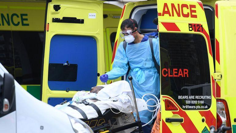 Coronavirus au Royaume-Uni: 761 morts supplémentaires, près de 13.000 au total