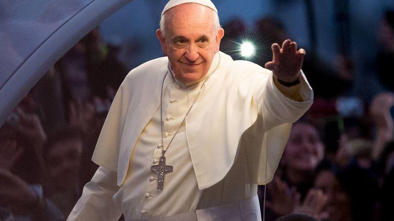 Coronavirus en Italie: le pape François prêchera à nouveau à la fenêtre du palais ce dimanche