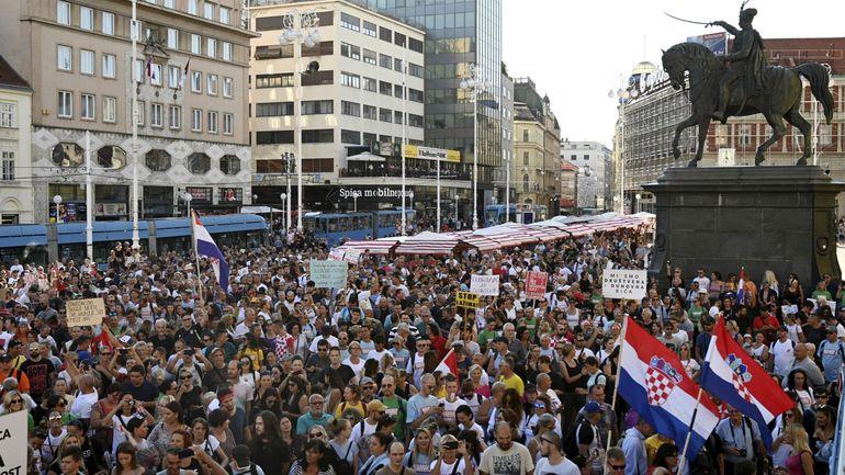 Coronavirus en Croatie : des milliers de manifestants à Zagreb contre les restrictions anti-pandémie