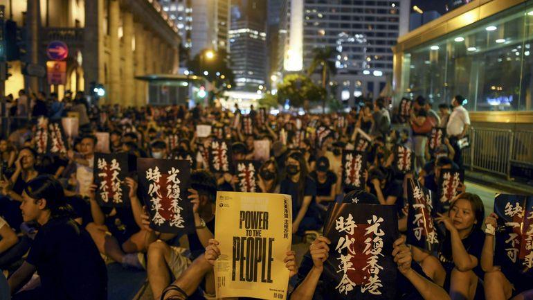 A Hong Kong, le mouvement pro-démocratie compte galvaniser les foules malgré les violences