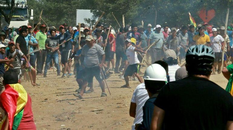 Présidentielle en Bolivie: Morales réélu au premier tour, la mobilisation se poursuit