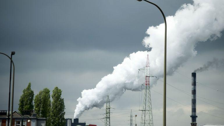 """Climat: le protocole de Kyoto a 15 ans, et """"on a tellement peu progressé"""", regrette Jean-Pascal Van Ypersele"""