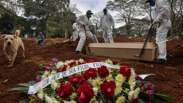 Au Brésil, soixante enterrements par jour dans le plus grand cimetière d'Amérique Latine