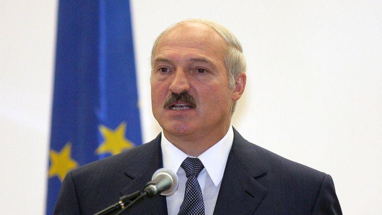 """Présidentielle au Bélarus : Loukachenko dénonce une tentative """"d'organiser un massacre"""" à Minsk"""